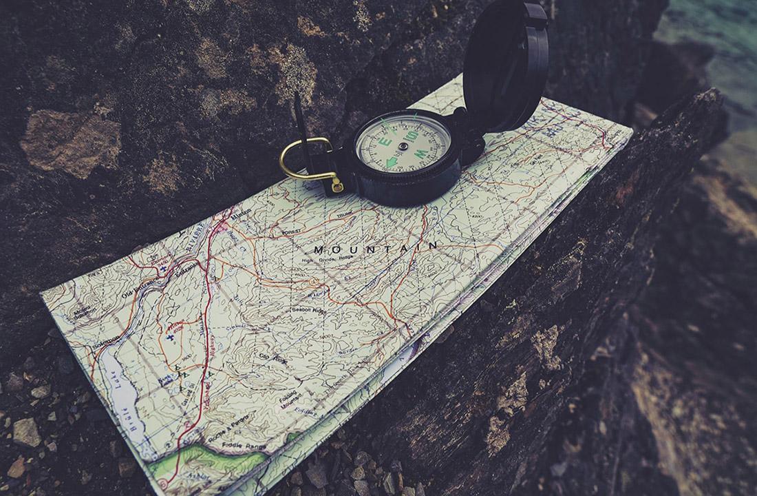 compass-4713642_1920.jpg